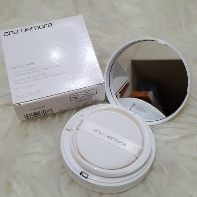 Shu Uemura Petal Skin Lightbulb Cushion Foundation