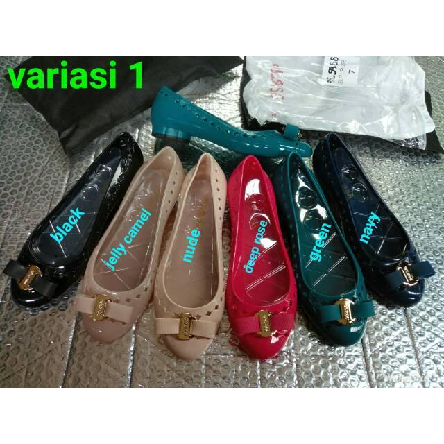 Jelly shoes lily guci   sepatu wanita guci variasi 2  3d1ab53435