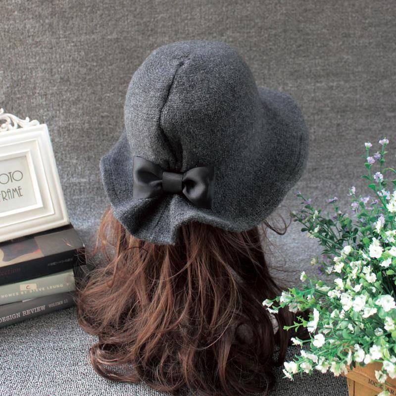 Topi Turban Wol Felt Aksen Bunga Mawar Untuk Wanita Musim Gugur