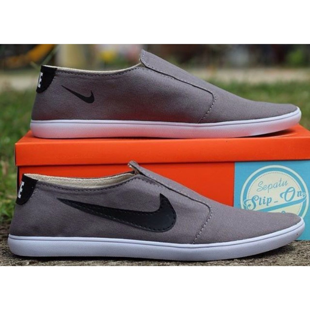 uaw.shoesofficial I Sepatu Nike Super Boston Pria Sepatu Semi Formal Casual  Slip On Pria Nike Boston  056b54f372