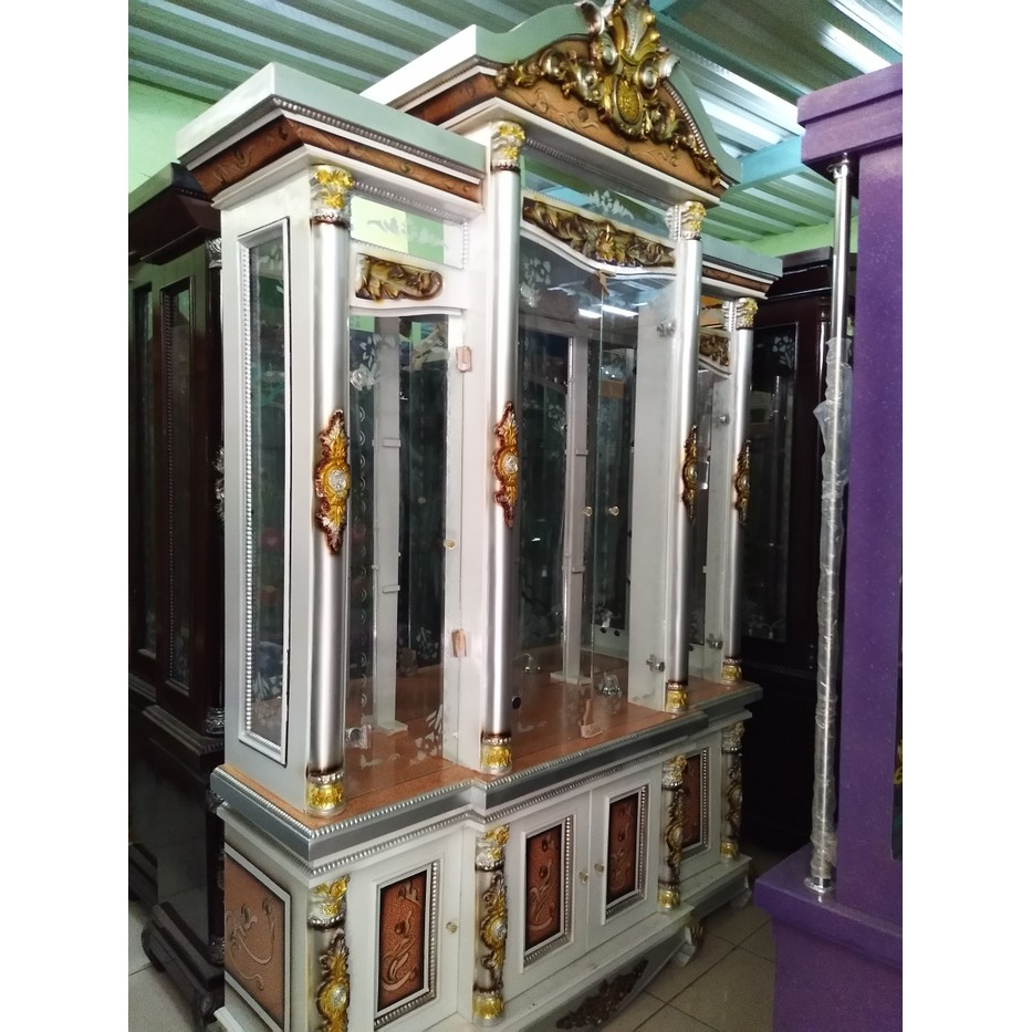 Lemari hias / lemari kaca / lemari pajangan kristal 11 pintu