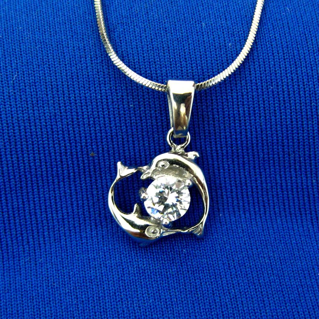 Kalung Liontin Titanium Love Dolphin Hq Sg1816 Shopee Indonesia Wanita Silver Stainless Steel 316l 004