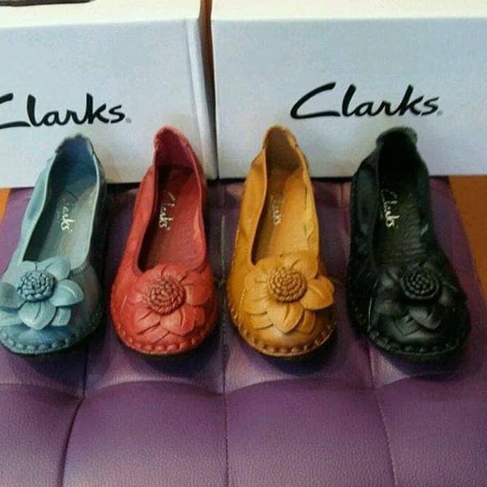 sepatu clarks - Temukan Harga dan Penawaran Sepatu Flat Online Terbaik - Sepatu  Wanita Januari 2019  1c460c70ca