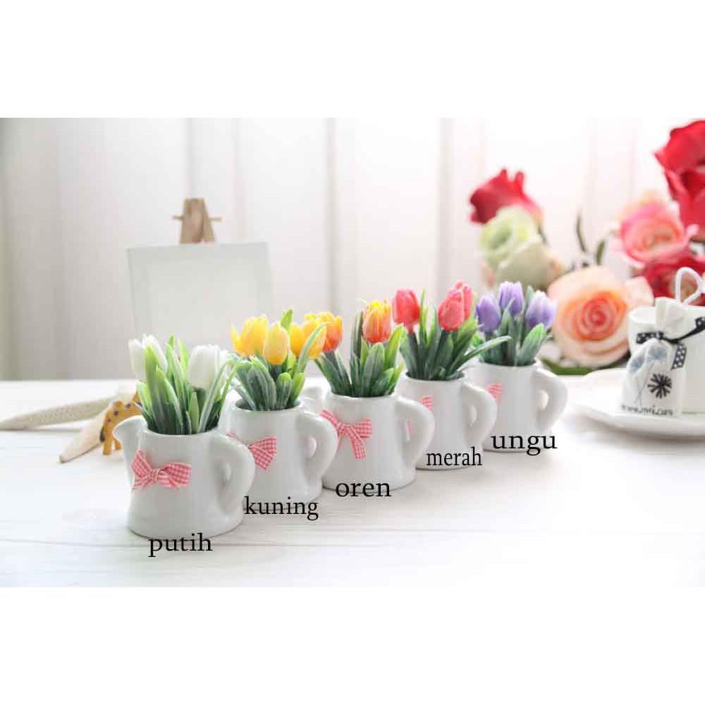 Vas Bunga Tulip Plastik Artificial Pot Teko Keramik Pita Vbk02 Shopee Indonesia