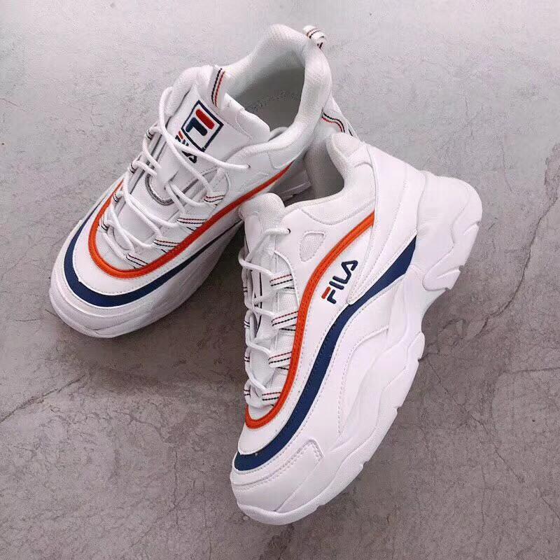 Fila Sepatu Sneakers Warna Putih   Biru   Merah  e2c7fb8101
