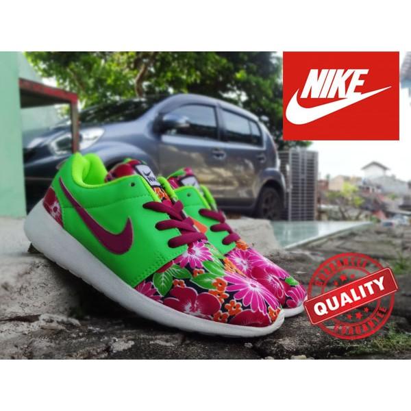 Nike Roshe Run Women Hijau Flower - Sepatu Olahraga Running Lari gym Senam jogging sneaker   7c532790bf