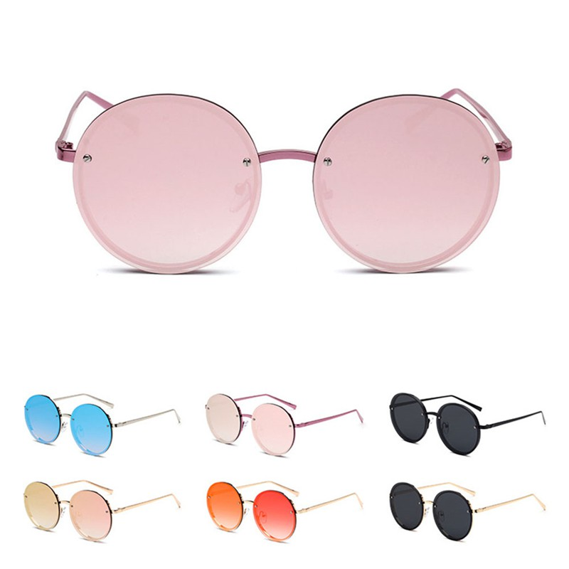 Kacamata Hitam Bulat untuk Wanita .