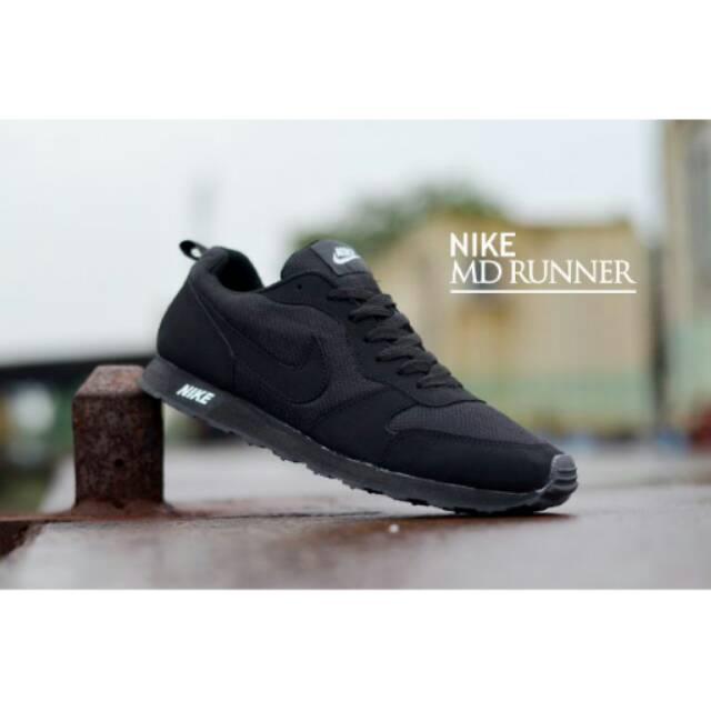 Nike MD Runner Casual Sport Running Sepatu Sneakers Kets Pria ... d5262a41f2