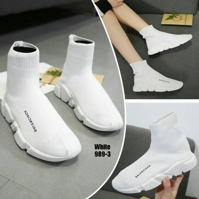 Sepatu Wanita - Supreme x Balenciaga Top Speed Trainer Black White Black -  PRM  b668a450c1