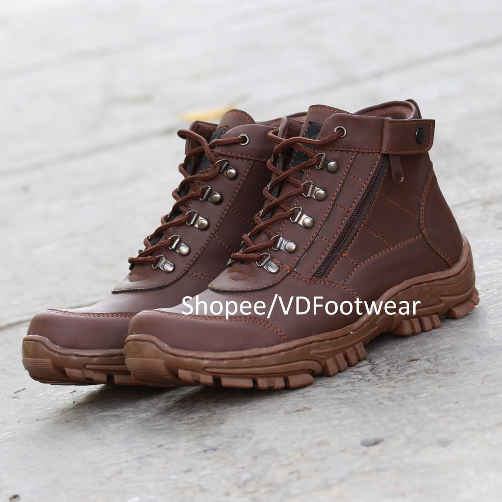SAINT  Sepatu Boots Pria Casual Kerja Original  26cbbcc234