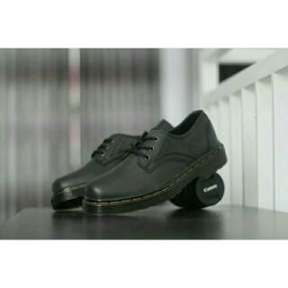 Bigsale Sauqi Walkers Dm Low Sepatu Low Boots Pria Keren Murah - Hitam .