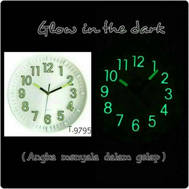Jam Dinding Glow in the Dark (Angka menyala dalam Gelap) - Serie 1 ... c25ec15ace