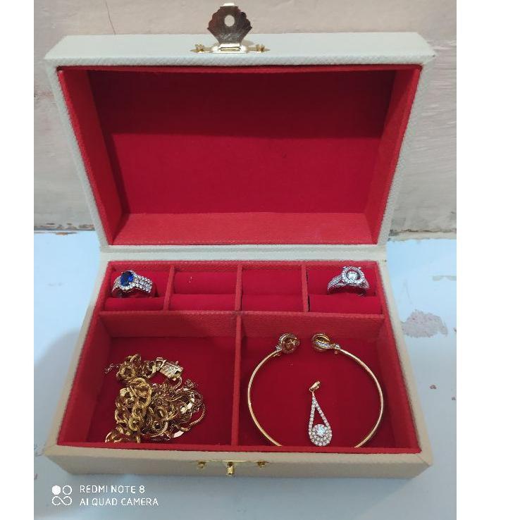 Kejutan Hari Ini kotak perhiasan untuk cincin,kalung,gelang,anting,liontin,LM/ANTAM warna coklat