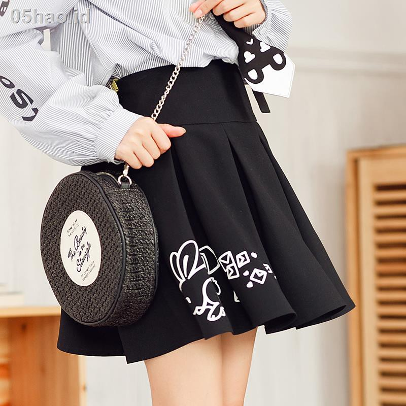 ✒Bu Yijiang original Japanese all-match loose lace black pleated skirt female autumn new college style short