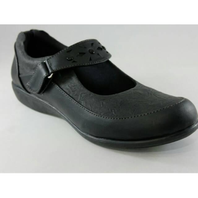 Sepatu Pantofel Sekolah Wanita By Spotty Reva 27 Hitam Shopee