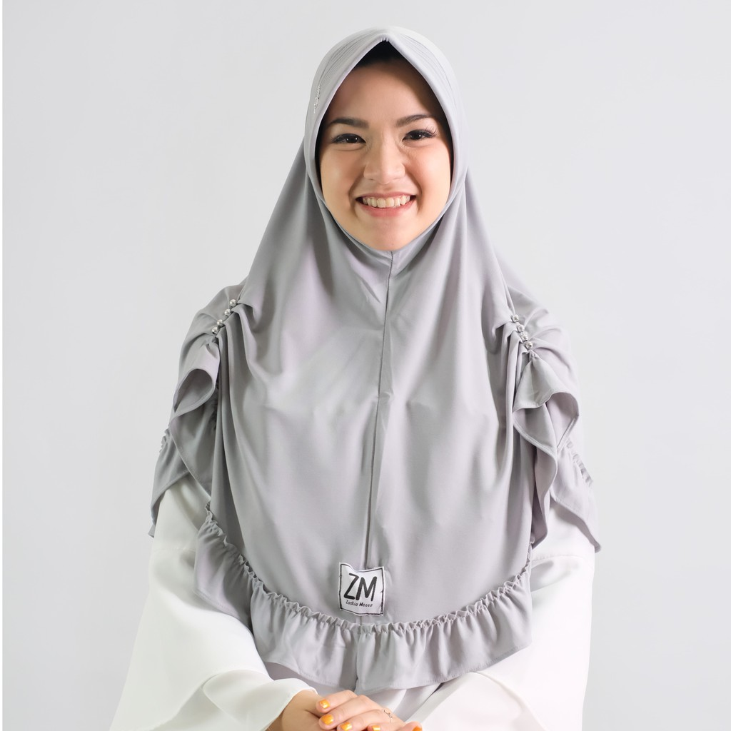 Zaskia Mecca Fadele Grey Shopee Indonesia Hijab Navy