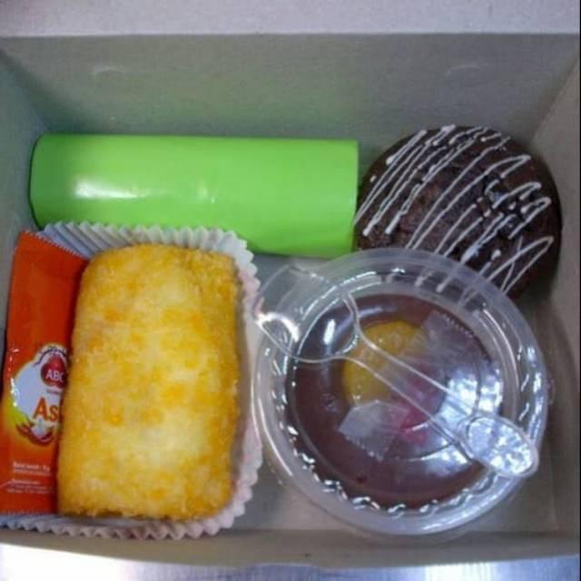 SNACK BOX ISI 4 KUE | Shopee Indonesia