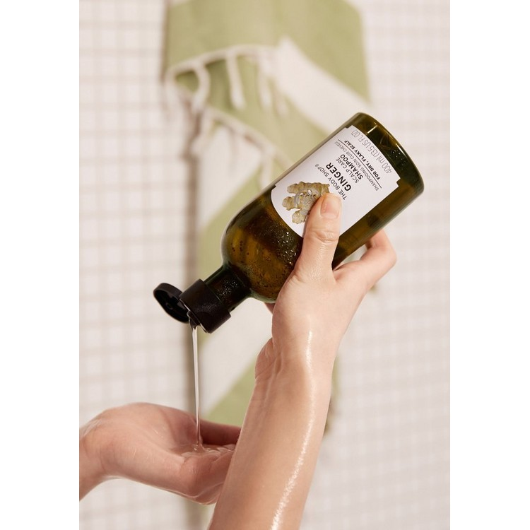 The Body Shop Ginger Anti Dandruff Shampoo 250ml-2