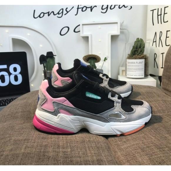 37412839729 Sepatu Sneakers Desain Adidas Clover Falcon W Retro Warna Hitam / Putih  untuk Lari