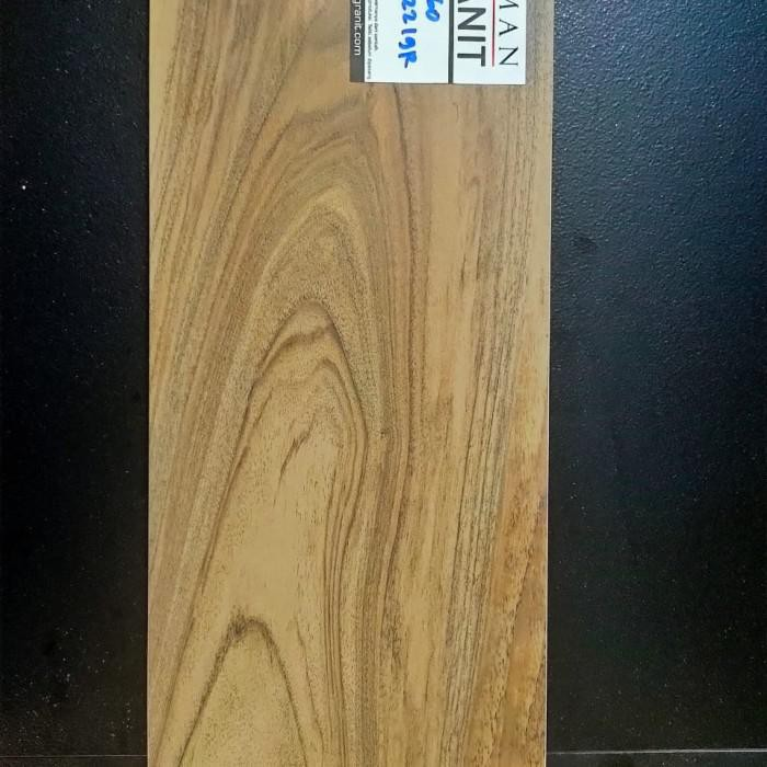 Granit / Granit Roman Motif Kayu Dboreal Wengue Ukuran 15X60 Kw2