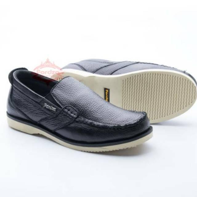 SEPATU NIKE BOSTON SUPER SLIPON - uawshoesofficial - Sepatu Pria Slip On  Casual Formal Santai Pria  48b0035aba