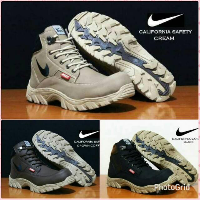 Sepatu Safety Boots Nike Tracking California  c5ae046186