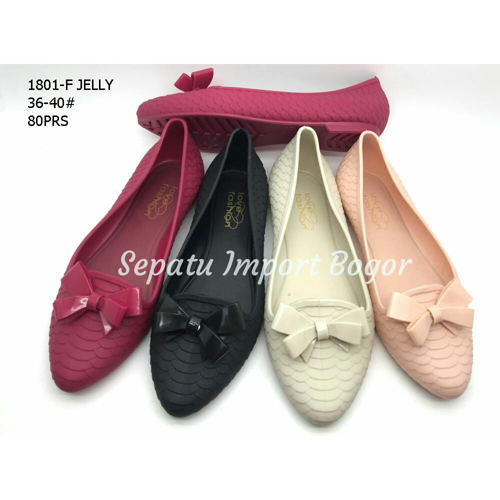 Sepatu Jelly Bunga Kaca 186  jelly shoes flat kaca transparan ... 2ee13e421b