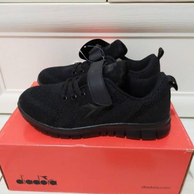 Sepatu Diadora Gerdo Junior Insole 19 5 Cm Shopee Indonesia