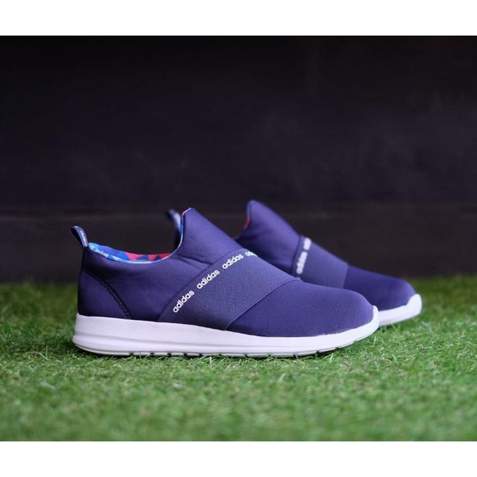 e565863f3dd9 Sepatu Adidas ORIGINAL Refine Adapt Slip-On Peach