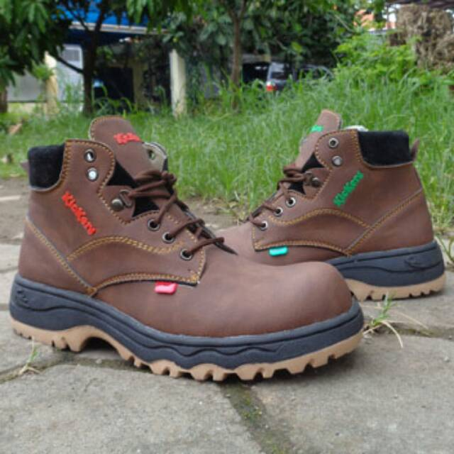 Dozzer Safety Shoes P205 Coklat Tua - Daftar Harga Terlengkap Indonesia -. Source · Sepatu Nike Boots Safety .