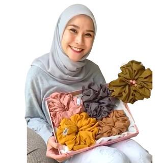 Hijabwanitacantik - Scrunchie Hijab Anti Pusing Ikat Rambut Anti Sakit Kepala thumbnail