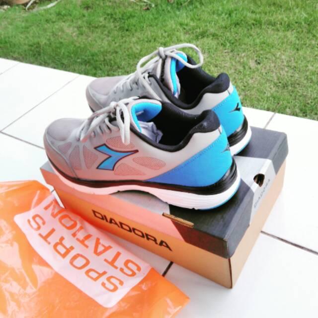 Sepatu running DIADORA ORIGINAL SPORT STATION BNIB a6209edbd5