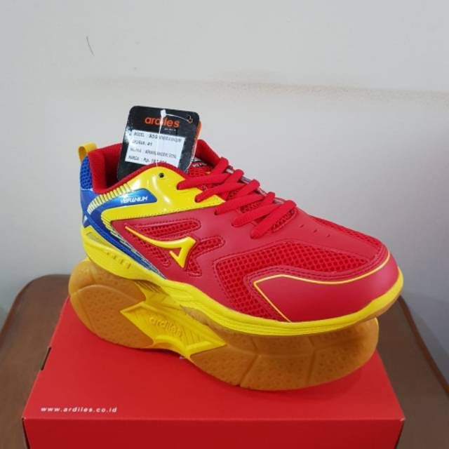 Sepatu Bulutangkis Voli Badminton Volley Ardiles Kagune  383b15231c
