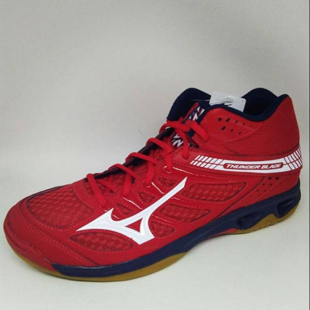 Sepatu mizuno thunder blade mid red new 2018 original  b1e9435469