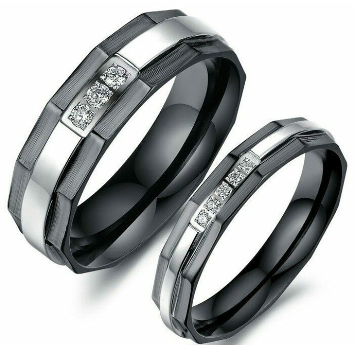 couple ring titanium black,anti karat,anti pudar/cincin tunangan ready stok kode