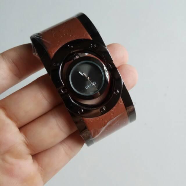 9616a8e60f9 JAM TANGAN GUCCI BANGLE TWIRL BLACK BROWN