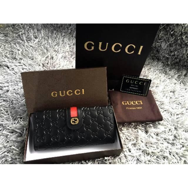 Gucci Supreme Icon Wallet  8b7f7f2e66