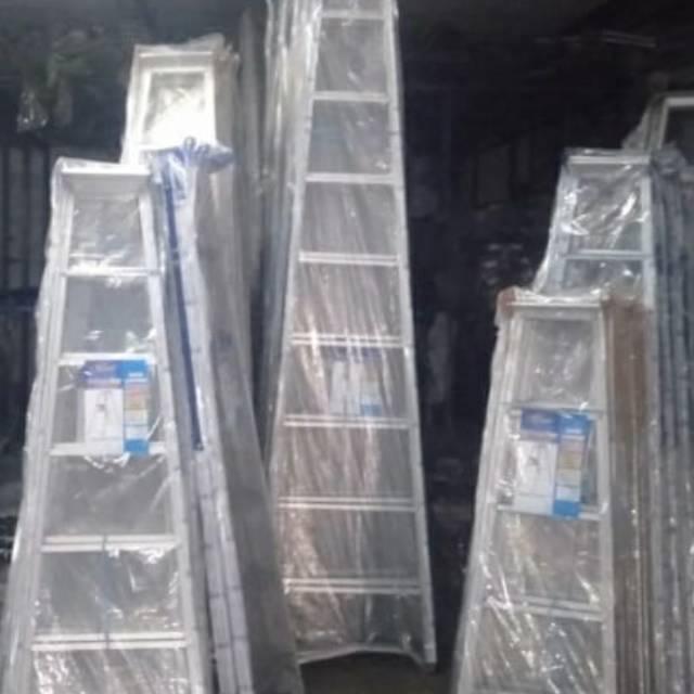 Tangga aluminium lipat