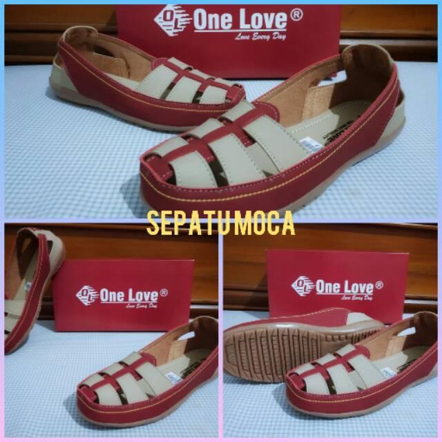 Sepatu moca one love