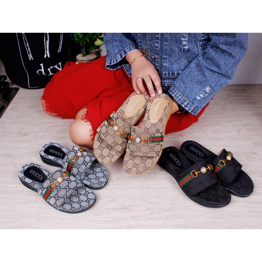 31a7c749b74c6 Gucci Monica GG Slippers 1351   50645 ss
