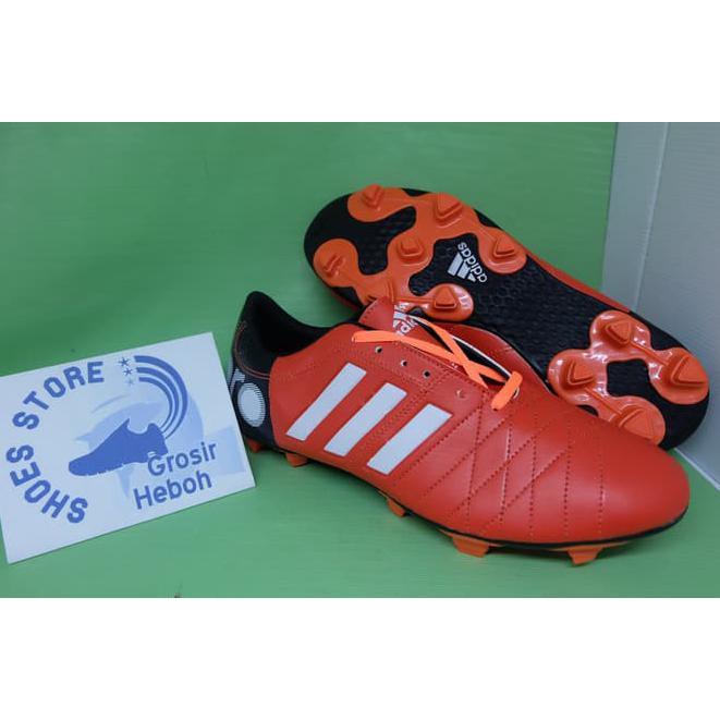 Best Seller Sepatu Bola Adidas Berkualitas Keren Murah Kuat Trendy   Grosir  Heboh Qr0924  b8633afb12