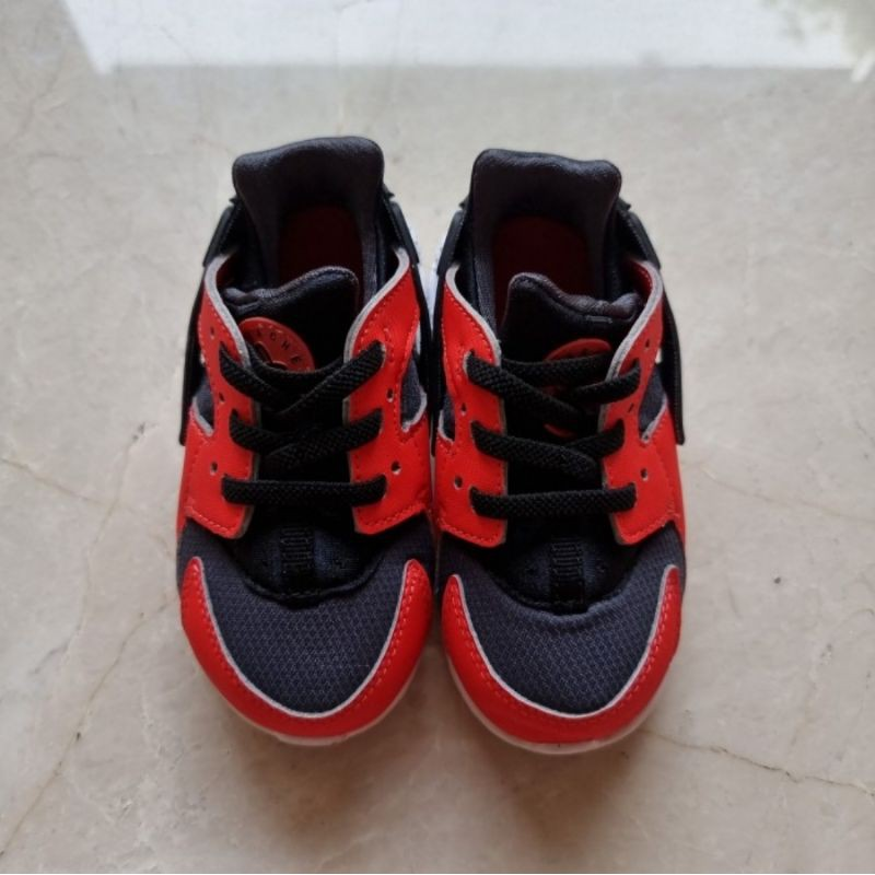 《PRELOVED NEW》Nike baby Huarache Run red and black