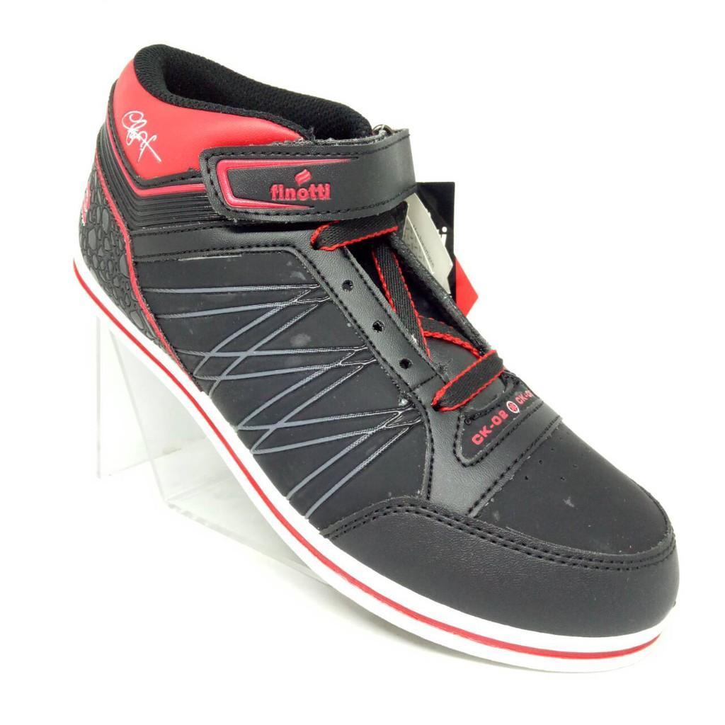 CK-02 Finotti Sepatu Pria bergaya