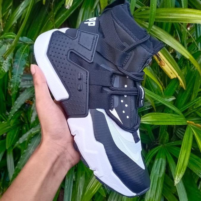 Sepatu Nike Huarache Black White Sneakers For Man Premium Original