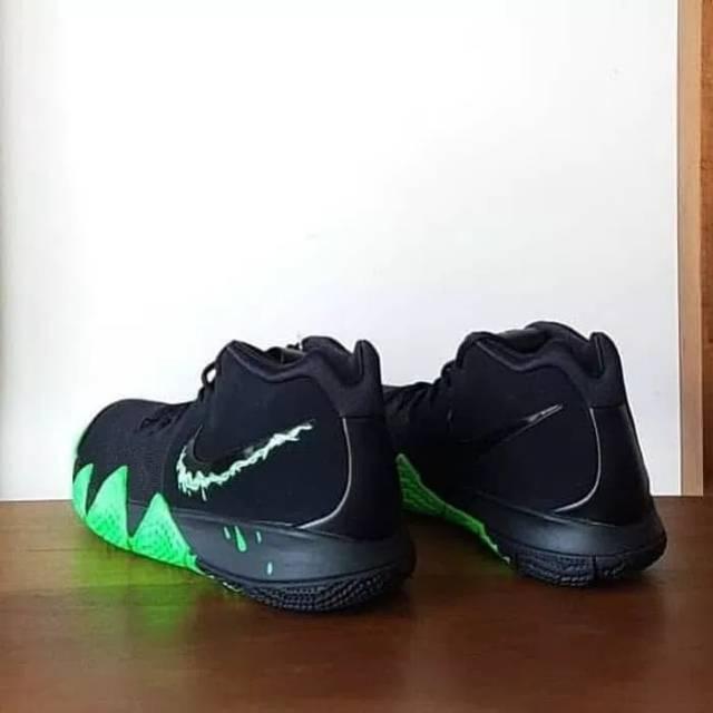 b95c904739cf Sepatu Basket Kyrie 4 - Halloween
