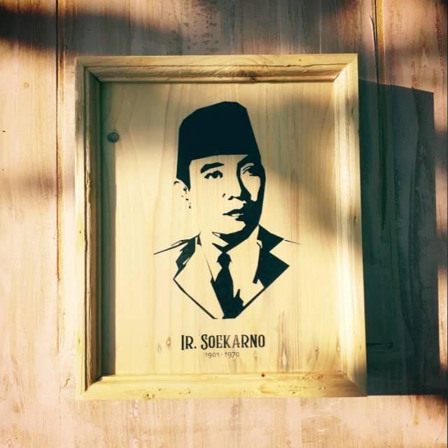 Lukisan Kayu Ir Soekarno Shopee Indonesia