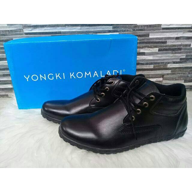 sepatu yongki model tali warna hitam  4eb358060b