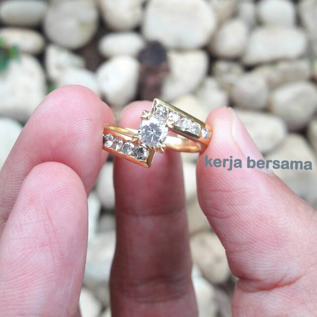 Blink CIncin Wanita Model Mutiara + Batu Bling - Putih. Source · Paket hemat cincin berlian banjar ikat perak lapis emas 24k   Shopee Indonesia