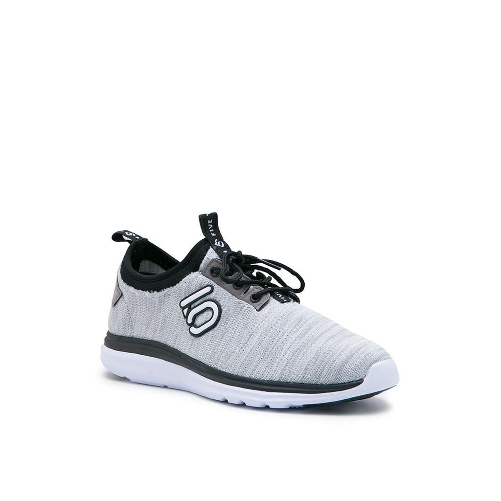 Sepatu Dr Temukan Harga Dan Penawaran Online Terbaik Pria Kevin Men Sneakers Fs 13320 Grey Abu 43 September 2018 Shopee Indonesia