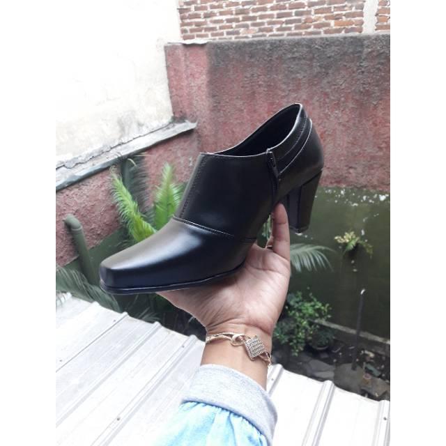 Sepatu dinas Angkle boots dop 7cm KODE 048 DOP